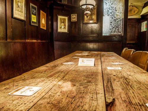 Tisch für größere Gruppen